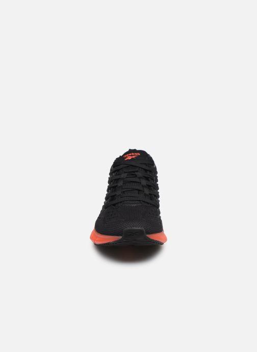 Sneaker Reebok Zig Kinetica W schwarz schuhe getragen