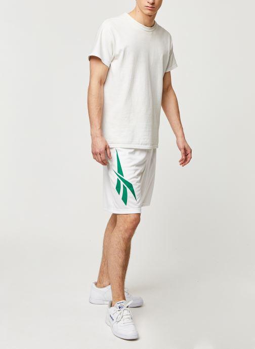Vêtements Reebok Cl D Soccer Shorts Blanc vue bas / vue portée sac