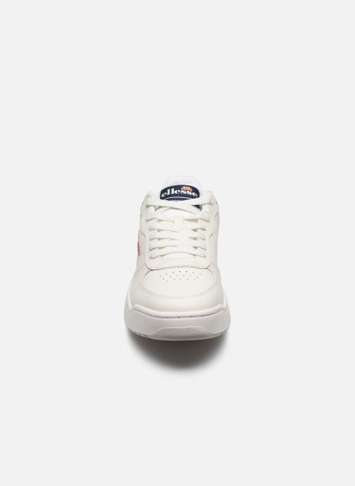 Sneakers Ellesse Varese Lthr Bianco modello indossato