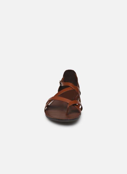 Sandalias Vagabond Shoemakers TIA 4931-083 Marrón vista del modelo