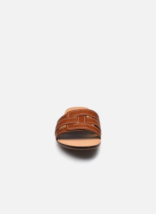 Zoccoli Vagabond Shoemakers TIA 4931-408 Marrone modello indossato