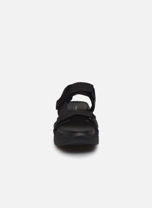 Sandalias Vagabond Shoemakers LORI Negro vista del modelo