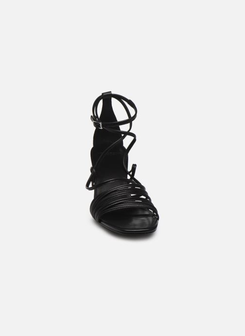 Sandalias Vagabond Shoemakers AMANDA 4905-001 Negro vista del modelo