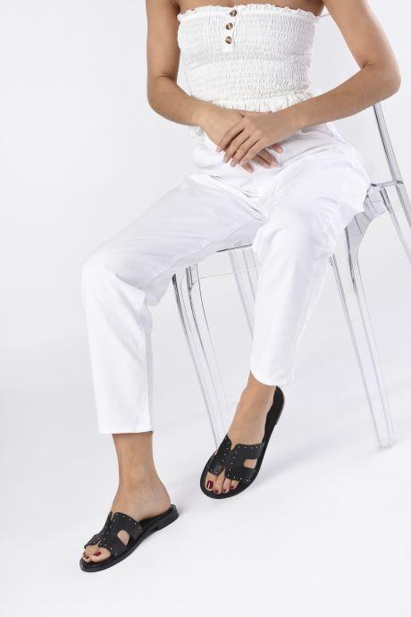Mules et sabots Bianco BIADARLA Leather Studs Sandal Noir vue bas / vue portée sac