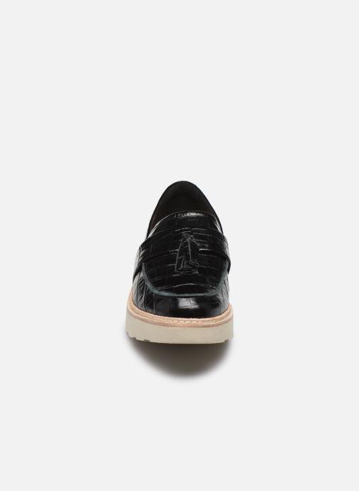 Mocasines Clarks Trace Tassel Negro vista del modelo