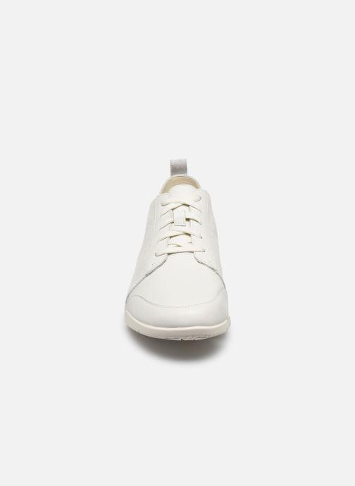 Sneakers Clarks TriAmelia Edge Bianco modello indossato