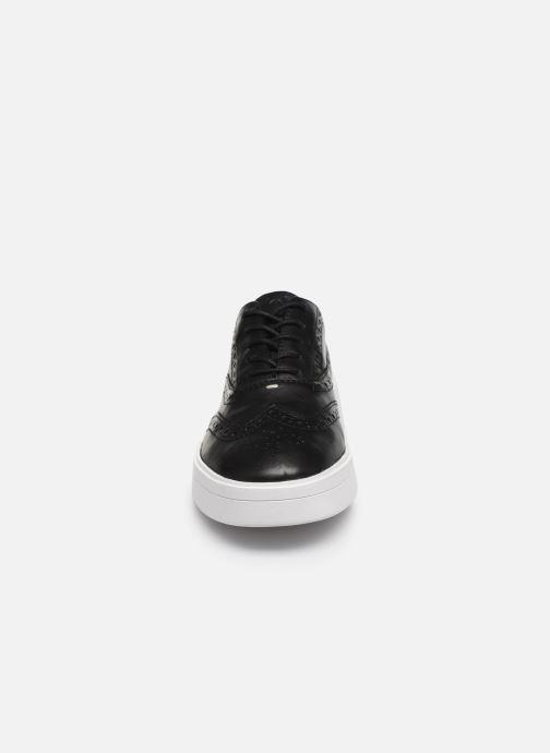 Baskets Clarks Hero Brogue. Noir vue portées chaussures
