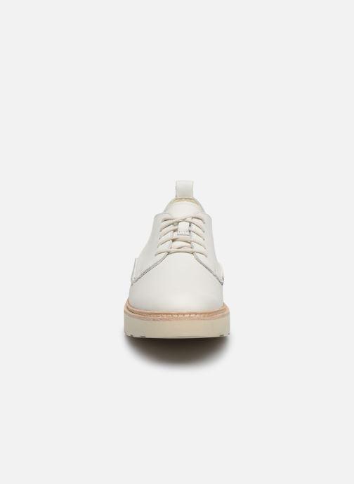 Zapatos con cordones Clarks Trace Walk Blanco vista del modelo