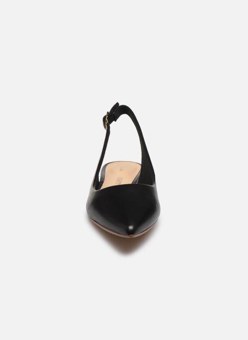 Zapatos de tacón Clarks Laina15 Sling Negro vista del modelo