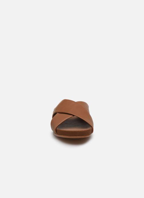 Mules et sabots Clarks Pure Cross Marron vue portées chaussures