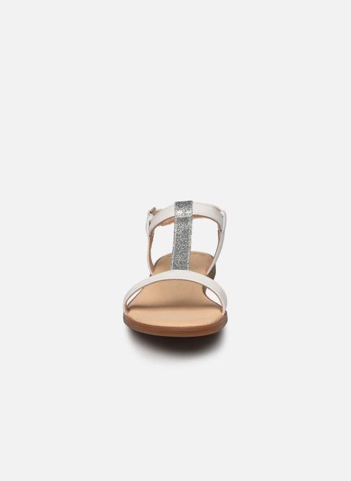 Sandales et nu-pieds Clarks Bay Rosa Blanc vue portées chaussures