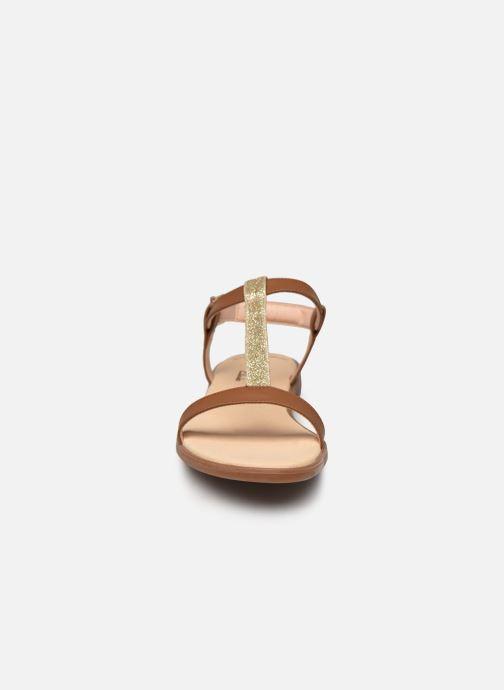 Sandales et nu-pieds Clarks Bay Rosa Marron vue portées chaussures