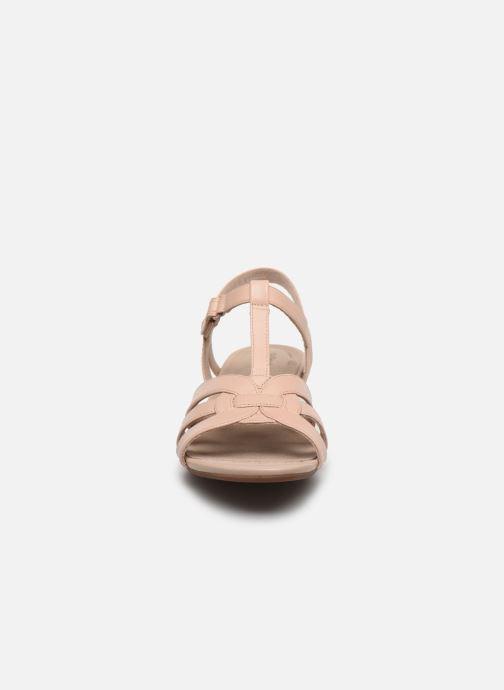 Sandales et nu-pieds Clarks Abigail Daisy Rose vue portées chaussures