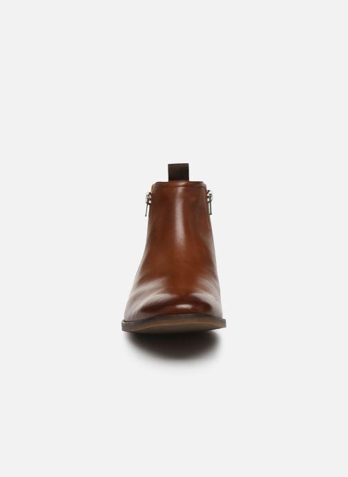 Bottines et boots Clarks Stanford Zip Marron vue portées chaussures