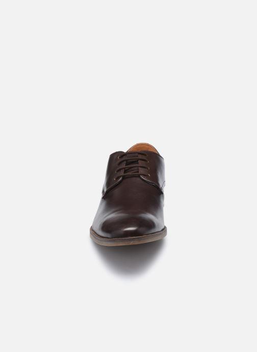Zapatos con cordones Clarks Stanford Walk Marrón vista del modelo
