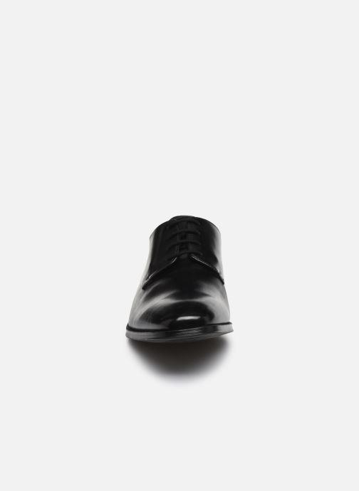 Zapatos con cordones Clarks Gilman Plain Negro vista del modelo