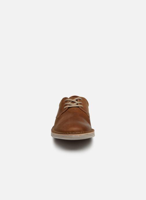Chaussures à lacets Clarks Forge Vibe Marron vue portées chaussures