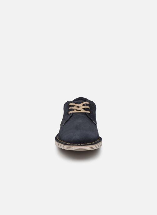Zapatos con cordones Clarks Forge Vibe Azul vista del modelo