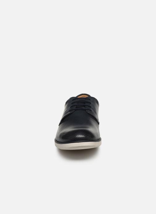 Zapatos con cordones Clarks Helston Walk Azul vista del modelo