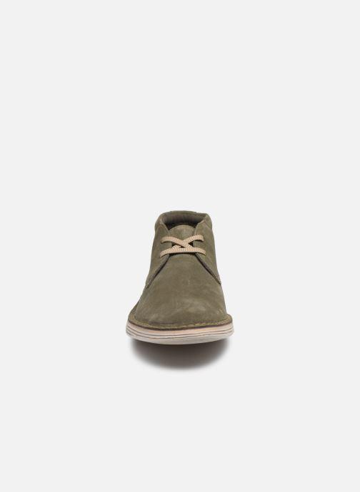 Bottines et boots Clarks Forge Stride Vert vue portées chaussures