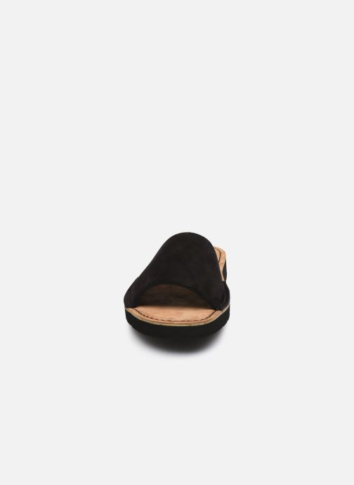 Zoccoli Clarks Originals Lunan Slide. Nero modello indossato