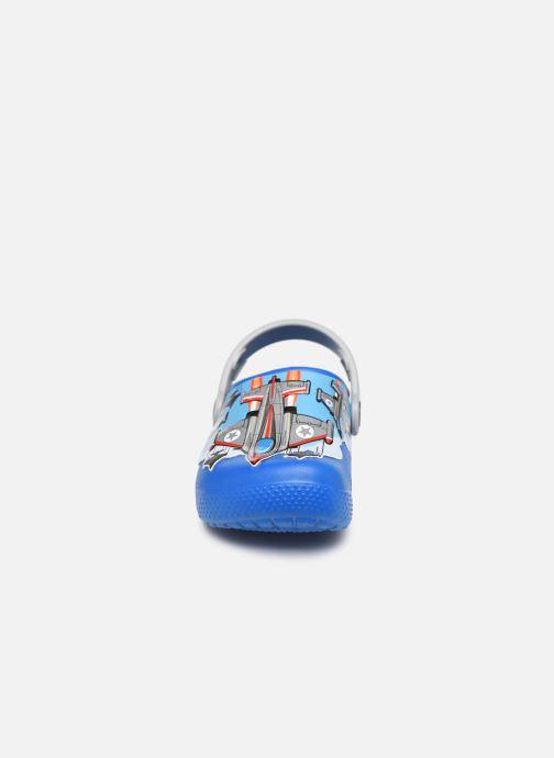 Sandali e scarpe aperte Crocs CrocsFL Fighter Jets Clog B BCb Azzurro modello indossato