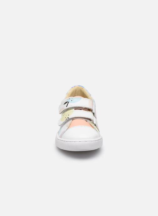 Baskets Shoo Pom Play Max Scratch Blanc vue portées chaussures