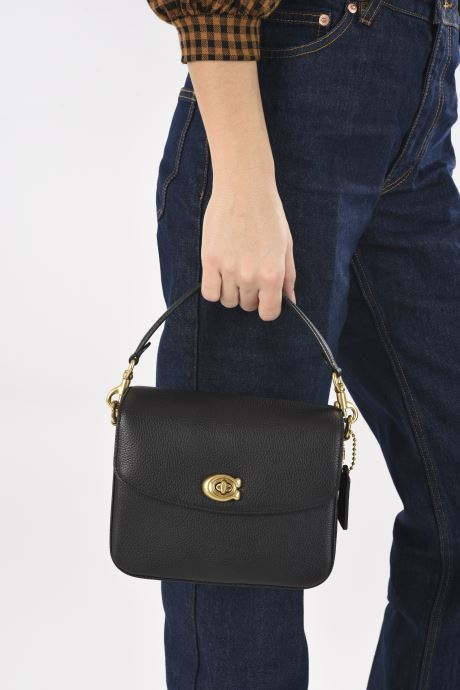Handtaschen Coach Cassie Crossbody schwarz ansicht von unten / tasche getragen