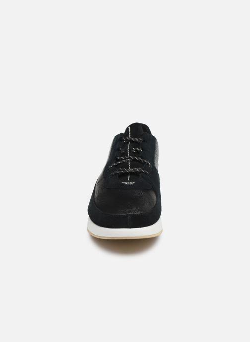 Baskets Clarks Originals Kiowa Pace M Noir vue portées chaussures