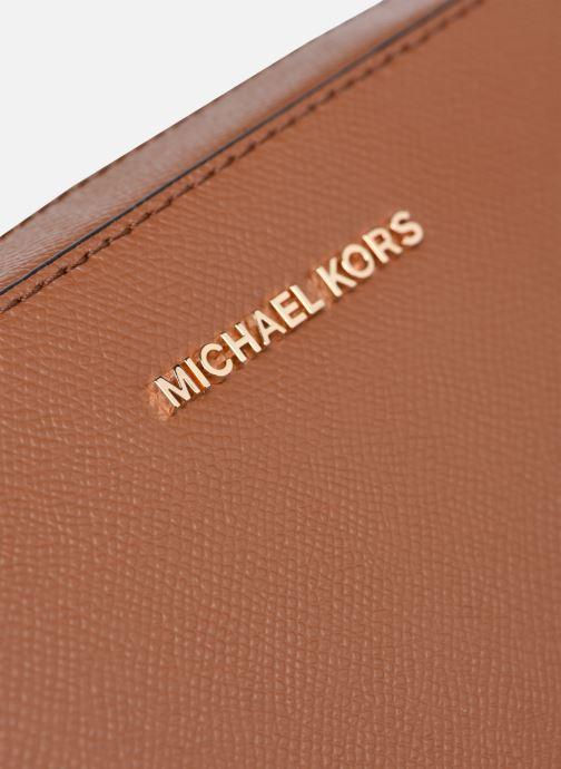 Bolsos de mano Michael Michael Kors JET SET LG EW CROSSBODY Marrón vista lateral izquierda