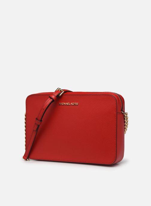 Borse Michael Michael Kors JET SET LG EW CROSSBODY Rosso modello indossato
