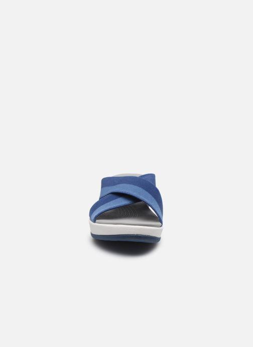 Mules et sabots Cloudsteppers by Clarks Arla Elin Bleu vue portées chaussures
