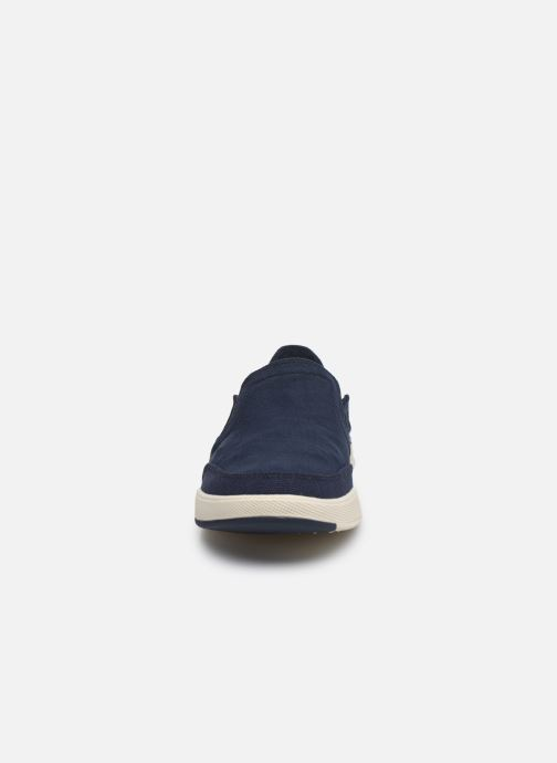 Sneakers Cloudsteppers by Clarks Step Isle Row Azzurro modello indossato