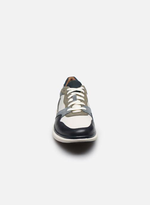 Baskets Clarks Unstructured Un Globe Run Bleu vue portées chaussures
