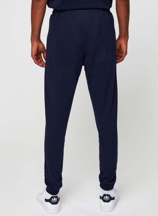 Vêtements Lacoste Pantalon de Jogging Bleu vue portées chaussures