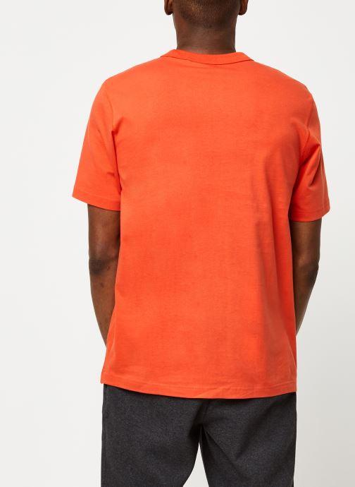 Vêtements adidas originals D Grp Tee 1 Orange vue portées chaussures