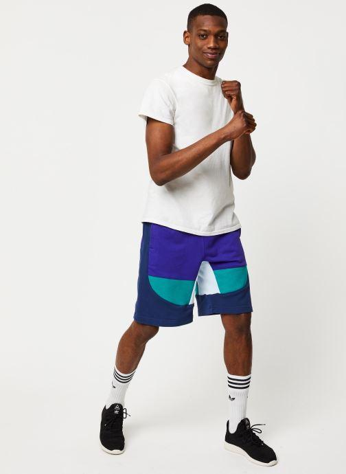 Vêtements adidas originals Short Violet vue bas / vue portée sac