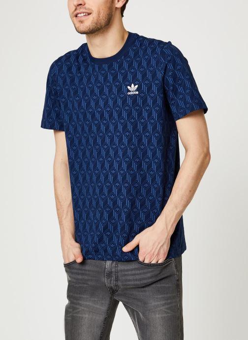 Vêtements adidas originals Mono Aop Tee Bleu vue détail/paire