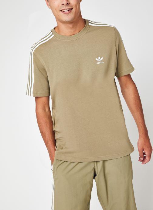 Vêtements adidas originals Tech Tee Vert vue détail/paire