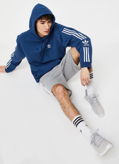 Vêtements adidas originals Tech  Hoody Bleu vue bas / vue portée sac
