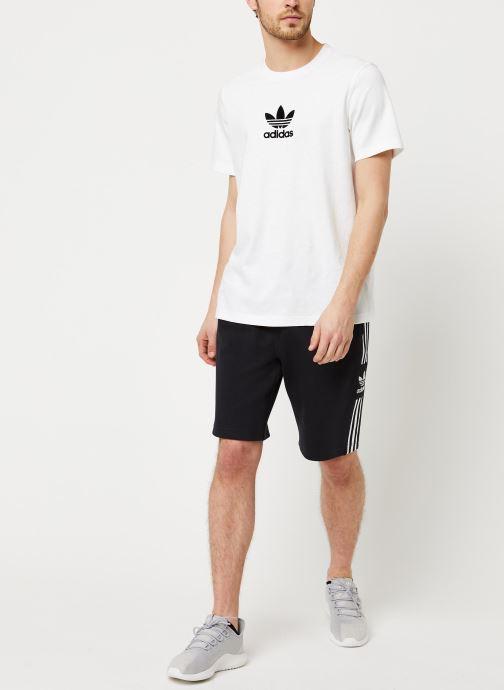 Vêtements adidas originals Lockup Lng Shrt Noir vue bas / vue portée sac