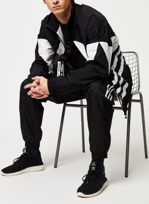 Vêtements adidas originals Bg Trefoil Tt Noir vue bas / vue portée sac