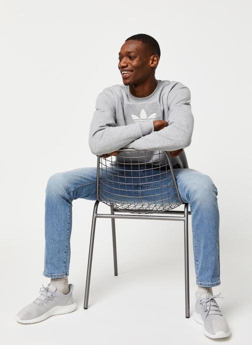 Vêtements adidas originals Adiclr Prm Crew Gris vue bas / vue portée sac
