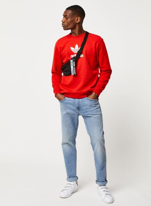 Vêtements adidas originals Adiclr Prm Crew Rouge vue bas / vue portée sac