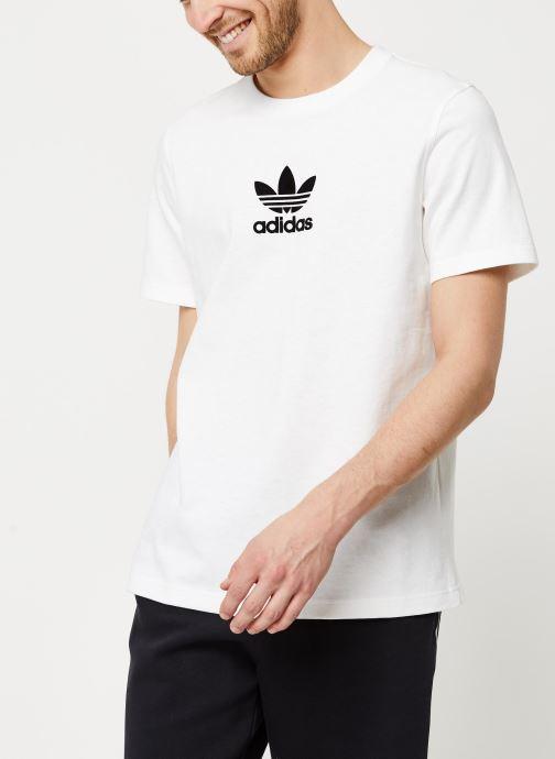 Vêtements adidas originals Adiclr Prm Tee Blanc vue détail/paire