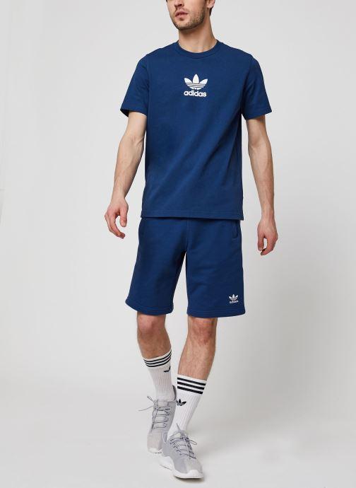 Vêtements adidas originals Adiclr Prm Tee Bleu vue bas / vue portée sac