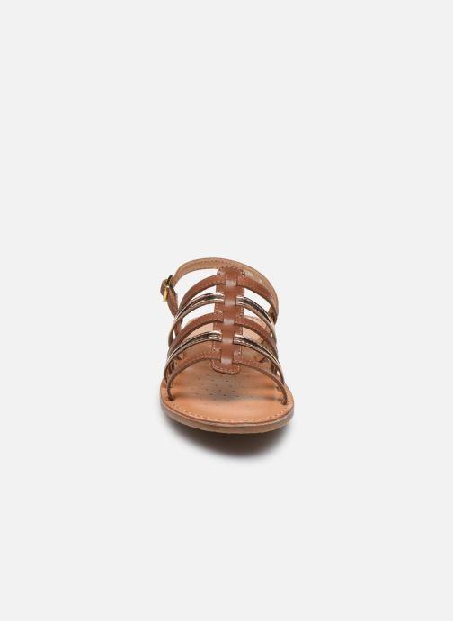 Sandales et nu-pieds Geox J Sandal Eolie Girl/J02BSA Marron vue portées chaussures