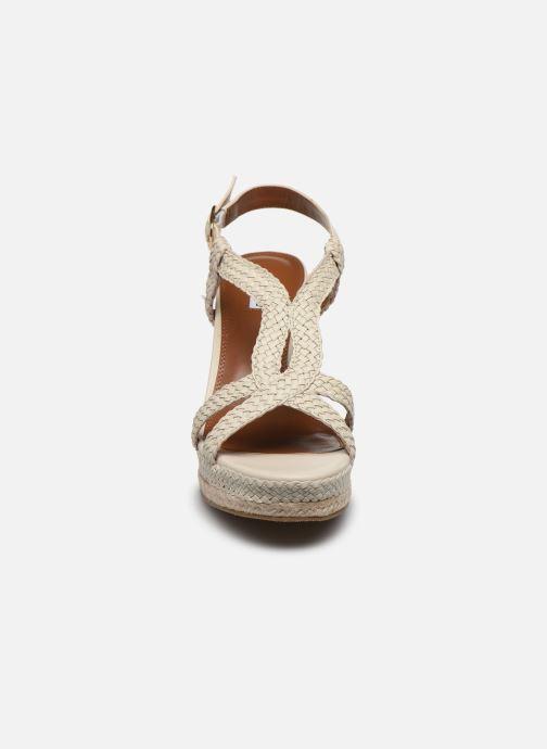Sandales et nu-pieds Dune London KEW Blanc vue portées chaussures
