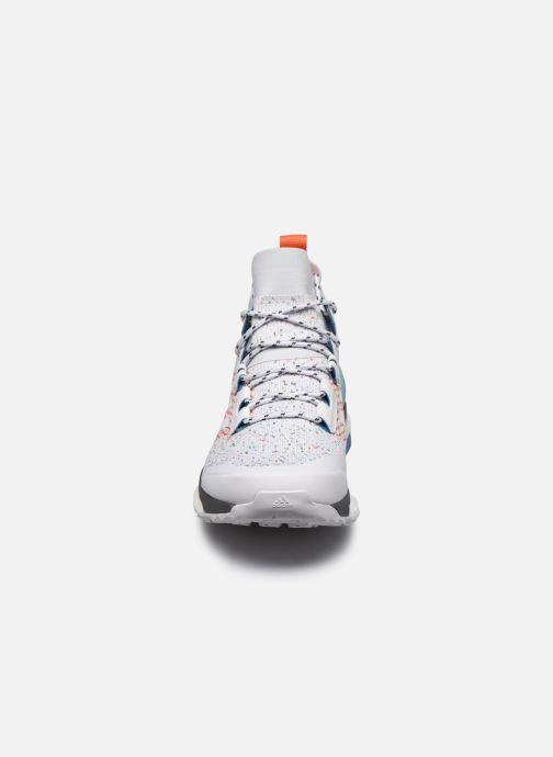 Zapatillas de deporte adidas performance Terrex Free Hiker Parley Gris vista del modelo