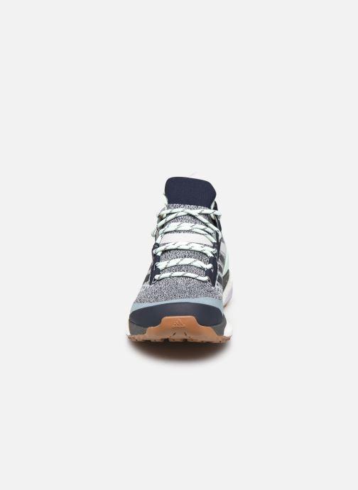 Chaussures de sport adidas performance Terrex Free Hiker W Bleu vue portées chaussures
